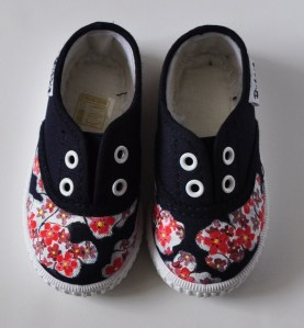 Lolitaluna zapatilla flores