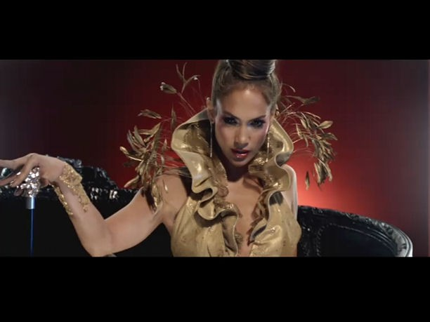 Jennifer Lopez con paraguas Pasotti