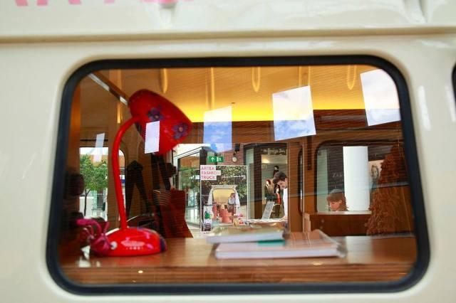 Artea Fashion truck ventana